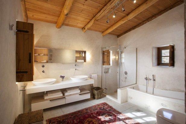 Bathroom in Villa in Mani