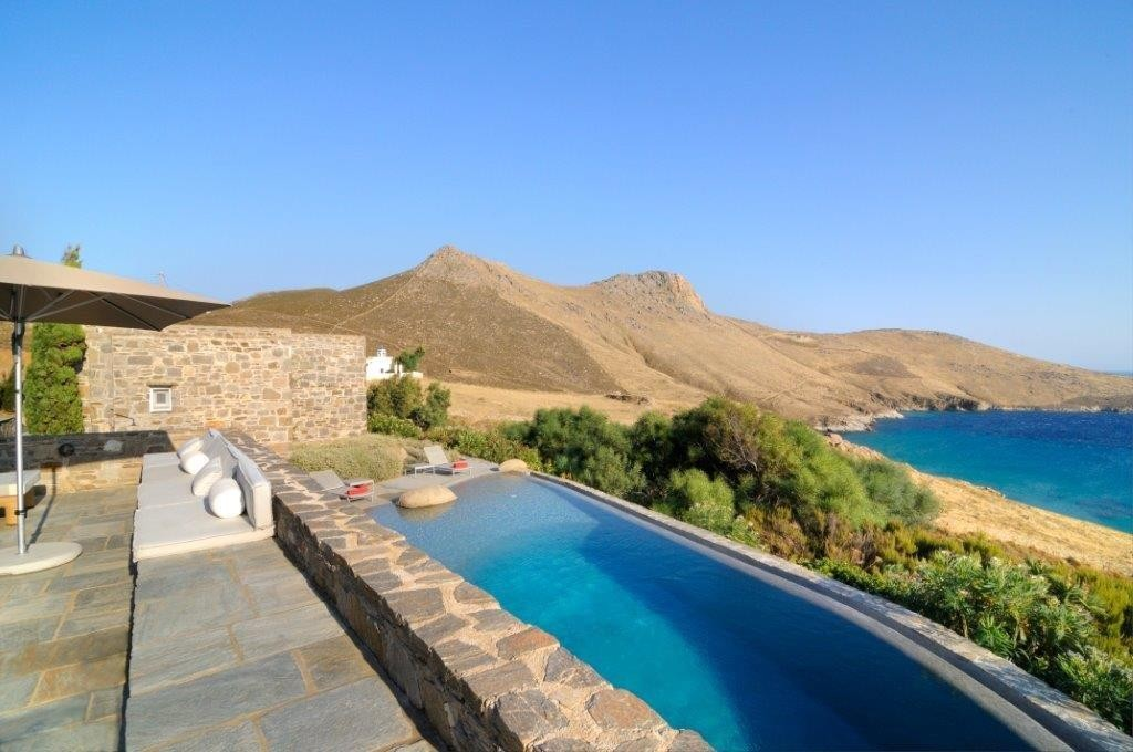 Luxury villa in Serifos