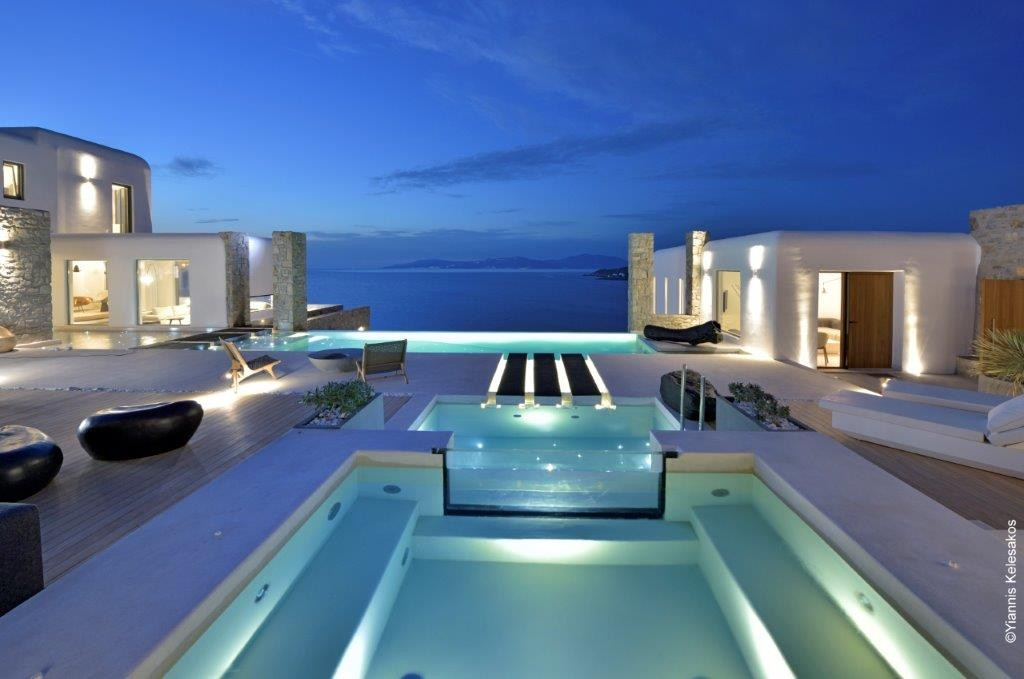 Mykonos Luxury Villa in Aleomandra