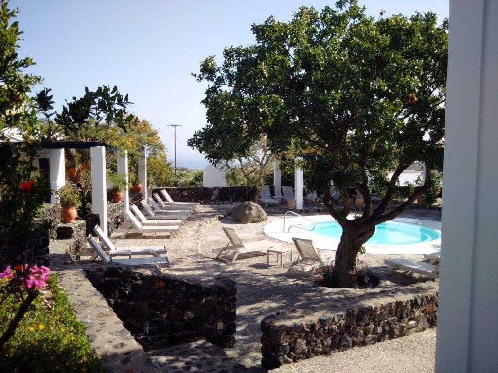 Luxury Villa to Rent in Santorini