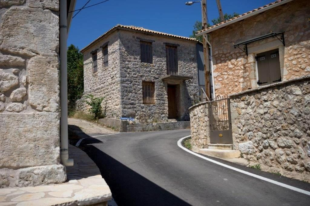 Lefkada Villages - Luxury Holidays in Greece